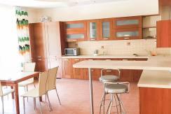 1 1 244x163 - Продаются две квартиры в Центральном районе (190 м²)