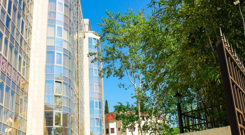 1 830x460 - Продажа квартиры по пр. Курортному, 108/6 (130 м²)