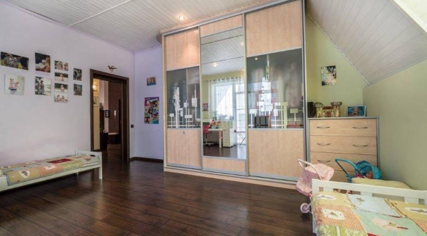 Продажа 4-комнатной квартиры в Быхте 13