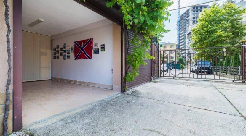 Продажа 4-комнатной квартиры в Быхте 2