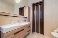 Продажа 4-комнатной квартиры в Быхте 23