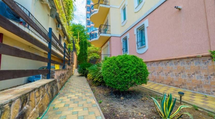 Продажа 4-комнатной квартиры в Быхте 24