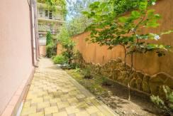Продажа 4-комнатной квартиры в Быхте 25