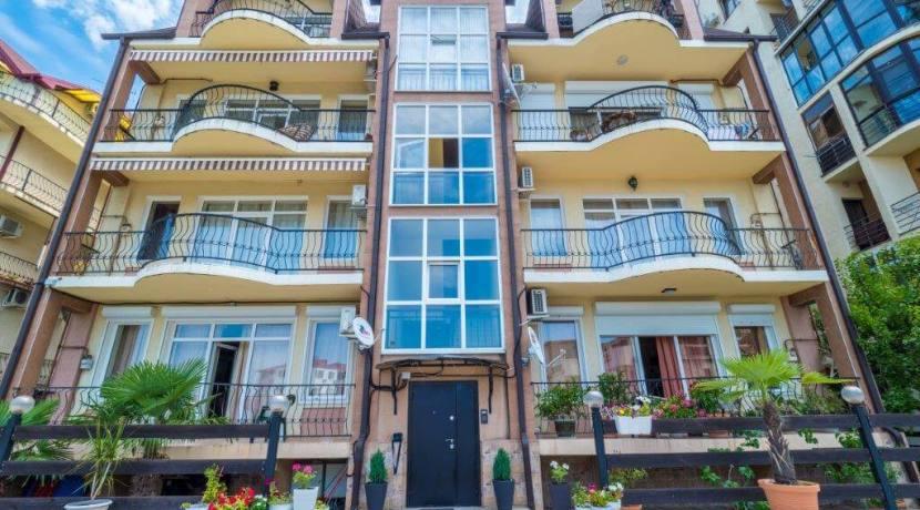 Продажа 4-комнатной квартиры в Быхте 6
