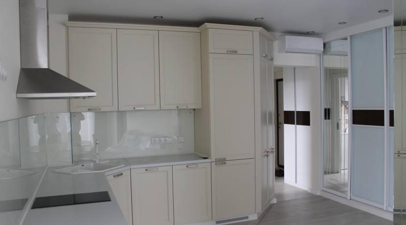 Продажа 2-комнатной квартиры по ул. Несебрская 4