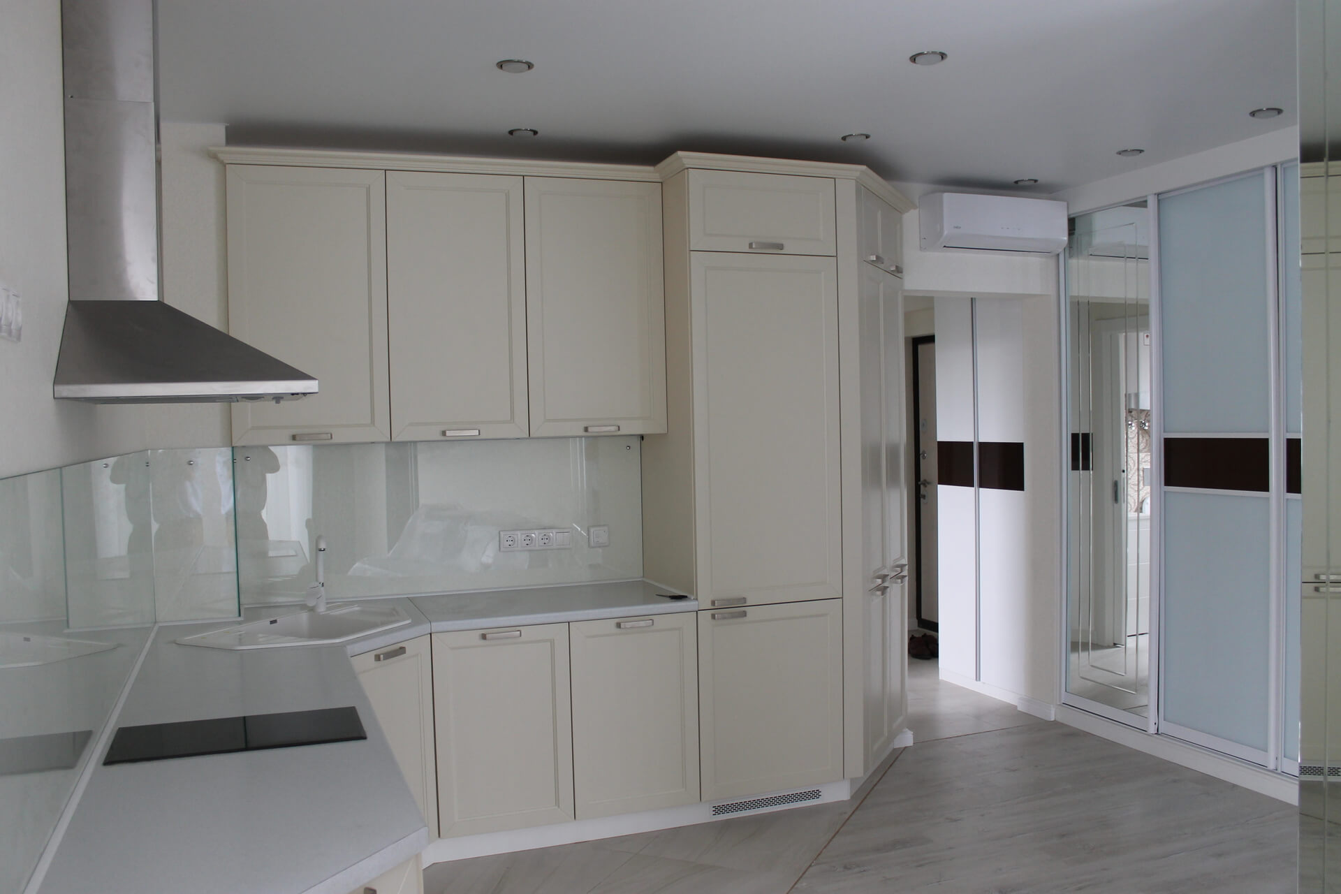 Продажа 2-комнатной квартиры по ул. Несебрская, 14 (60 м²)