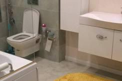 Продажа 3-комнатной квартиры в ЖК Лазурный берег 12