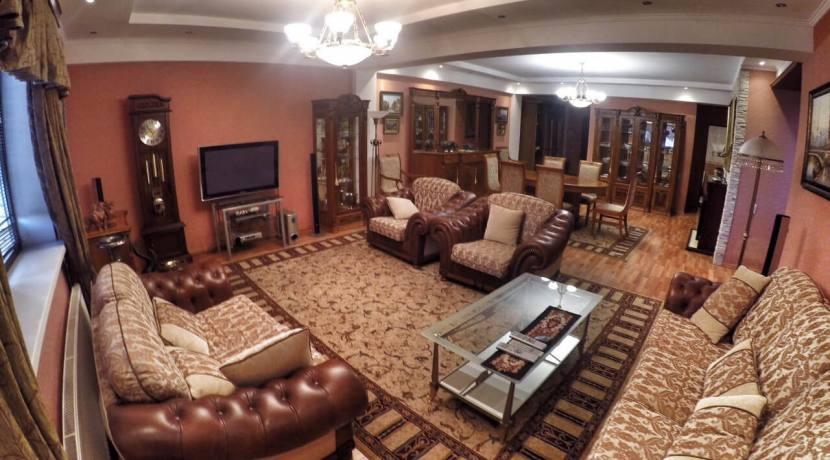 Продажа 3-х комнатной квартиры по ул. Первомайской 7
