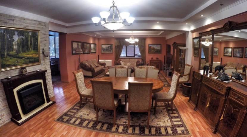 Продажа 3-х комнатной квартиры по ул. Первомайской 8