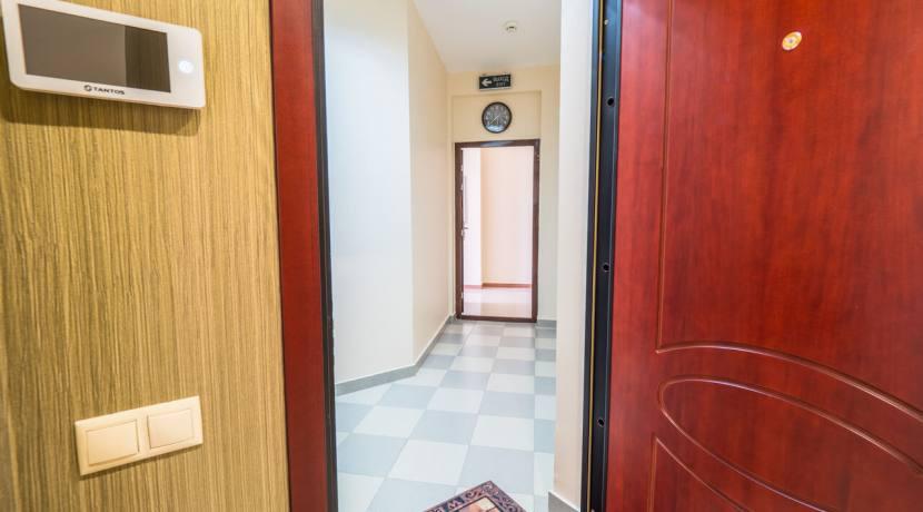 Продажа 3-х комнатной квартиры по ул. Роз, 52-11
