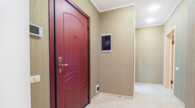Продажа 3-х комнатной квартиры по ул. Роз, 52-12