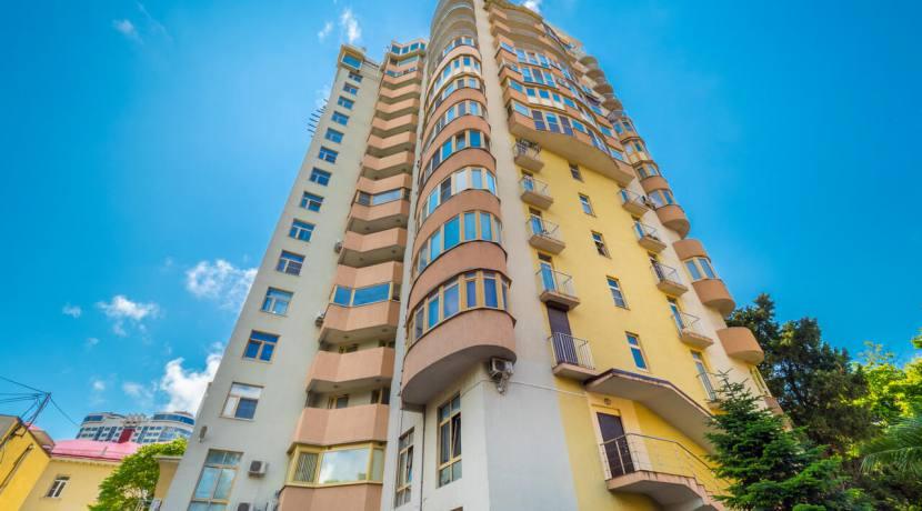 Продажа 3-х комнатной квартиры по ул. Роз, 52-2