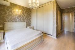 Продажа 3-х комнатной квартиры по ул. Роз, 52-34