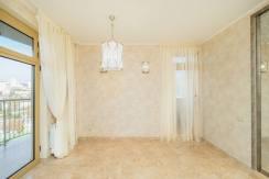 Продажа 3-х комнатной квартиры по ул. Роз, 52-42