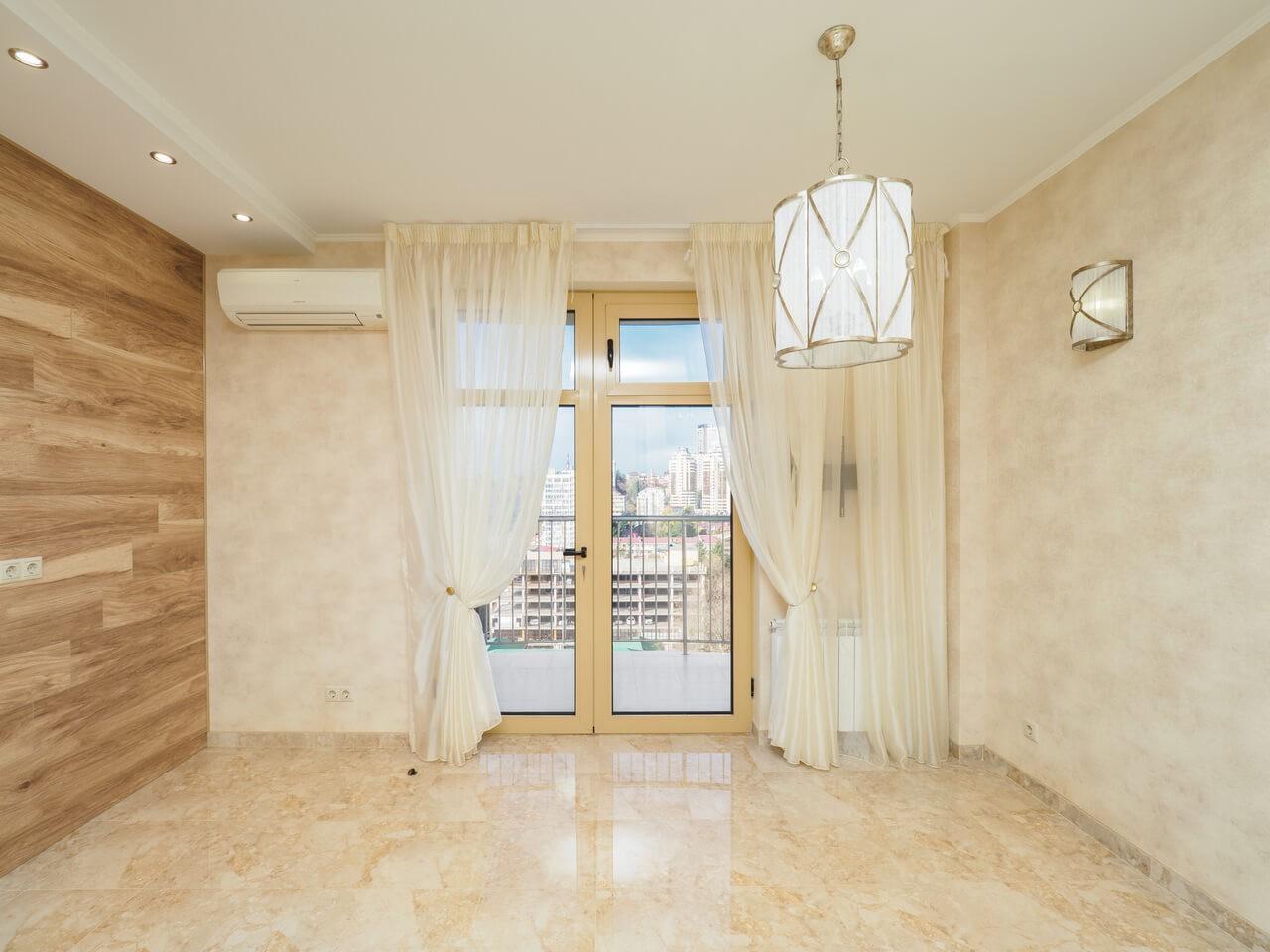 Продажа 3-х комнатной квартиры по ул. Роз, 52 (110 м²)