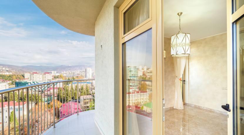 Продажа 3-х комнатной квартиры по ул. Роз, 52-46