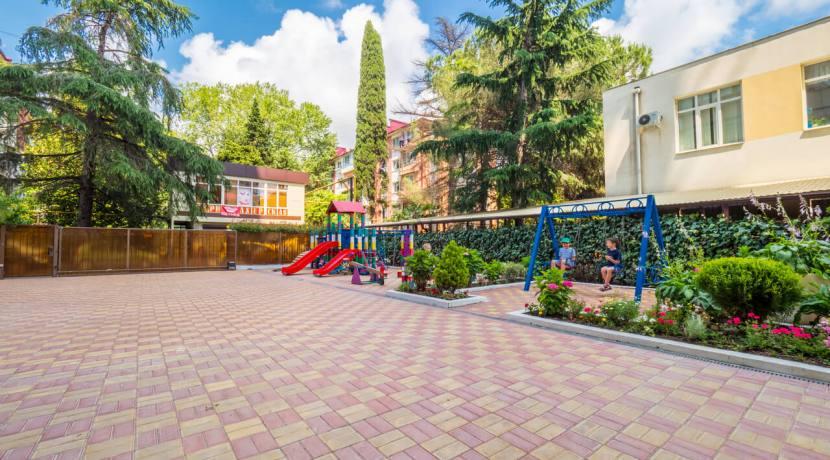Продажа 3-х комнатной квартиры по ул. Роз, 52-5