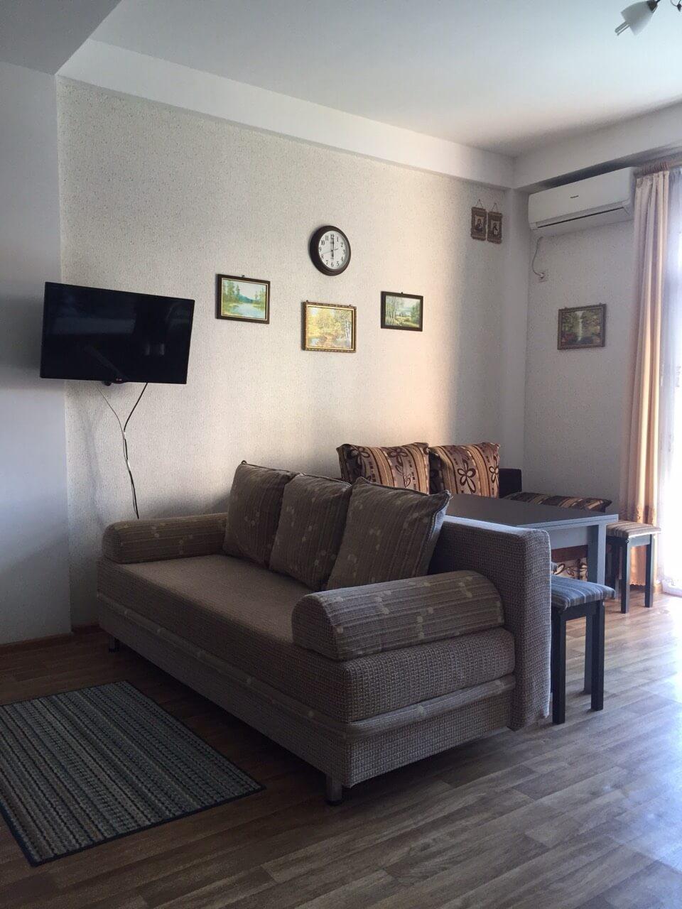 Продажа 1-комнатной квартиры по ул. Изумрудной 40/3 (38 м²)