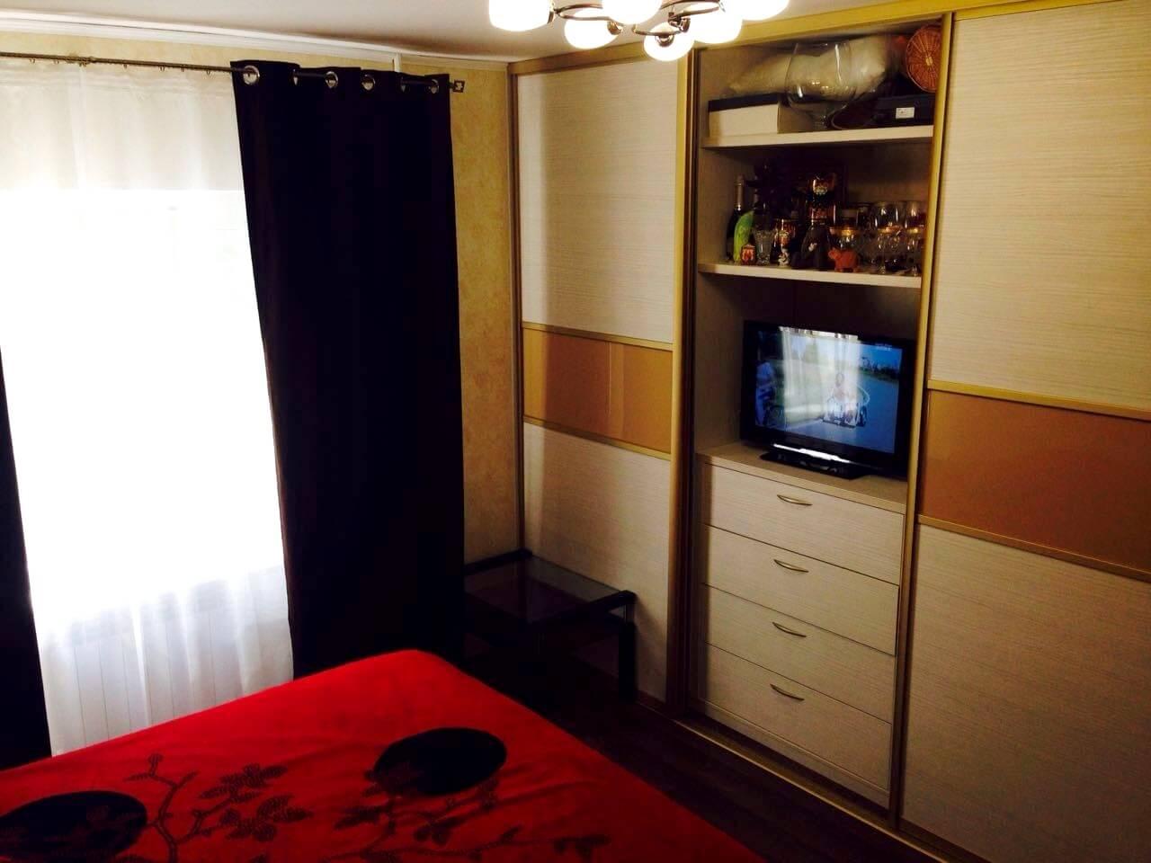 Продажа 2-комнатной квартиры по ул. Дмитриевой 32 (60 м²)