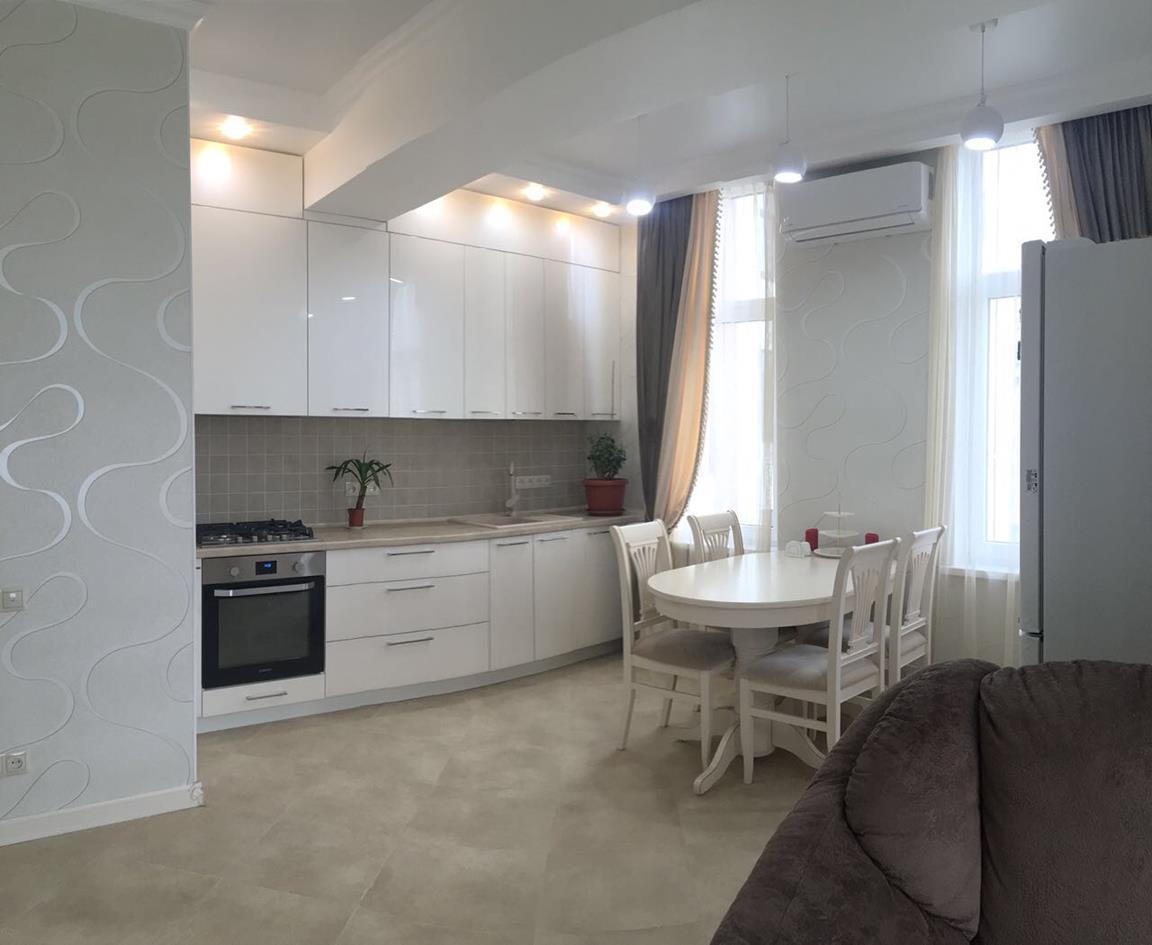 Продажа 2-комнатной квартиры в ЖК Янтарный 2 (60 м²)