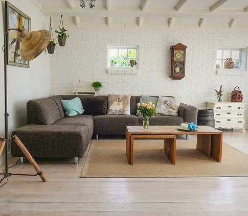 living room 2732939 640 1 - Как можно инвестировать в недвижимость?