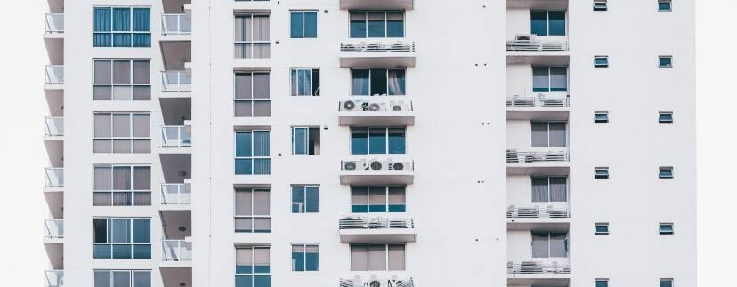 apartments architectural design architecture 2091634 828x323 - Как быстро и надежно продать квартиру