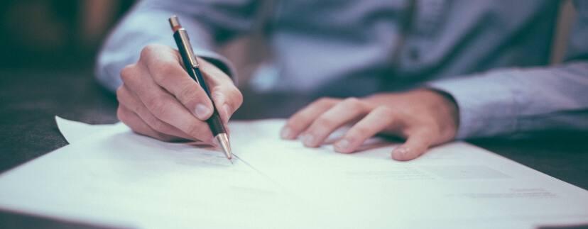 Paket dokumentov 828x323 - Необходимые документы при продаже квартиры