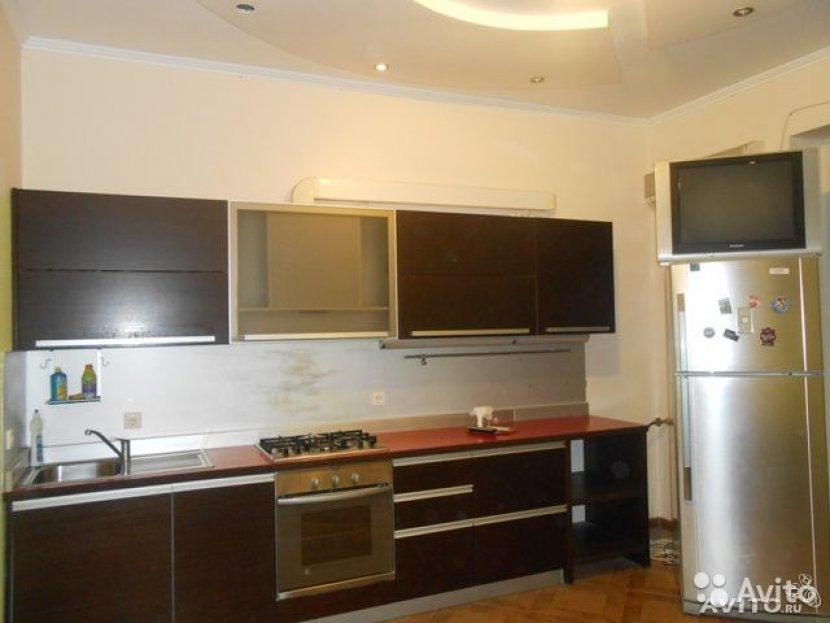 Продажа 2-х комнатной квартиры по ул. Клубничной, д. 8А (80 м²)