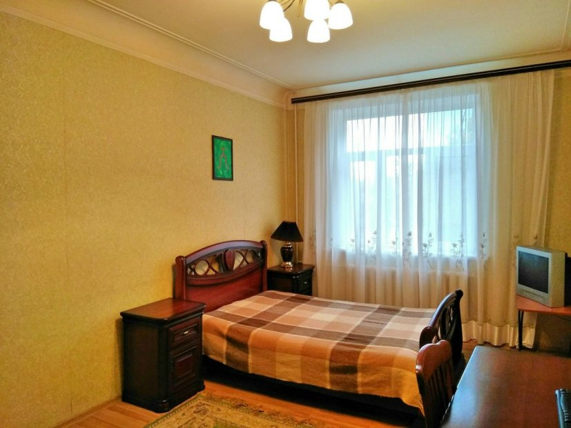 Продажа 3-х комнатной квартиры по ул. Пирогова, д. 8 (74 м²)
