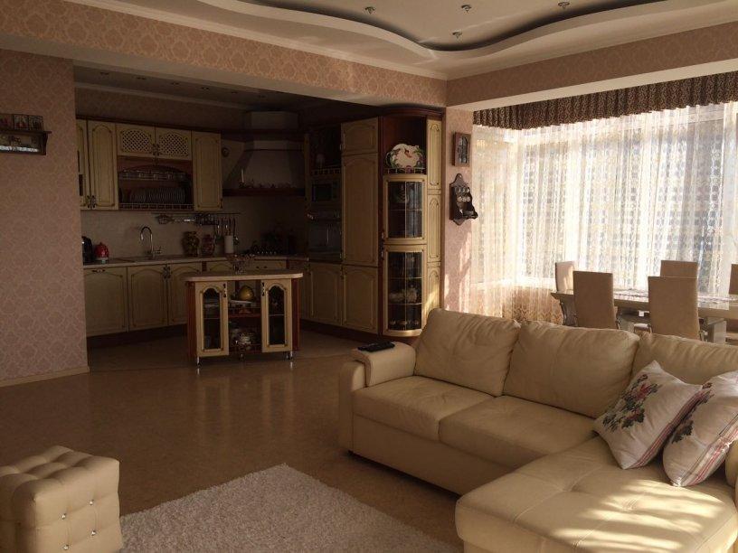 Продажа 3-х комнатной квартиры по ул. Бытха, д. 2/5 (105 м²)