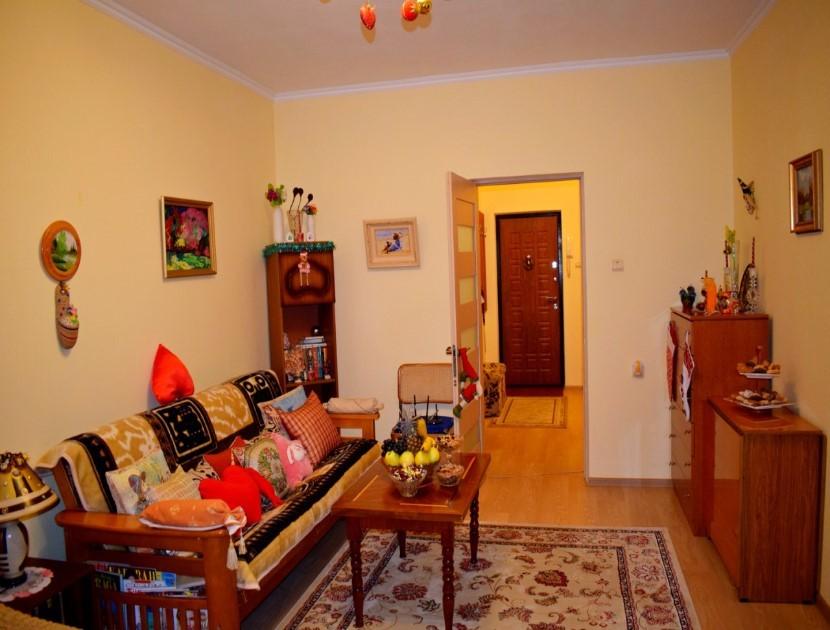 Продажа 3-х комнатной квартиры по ул. Есауленко, д. 4/2 (74 м²)