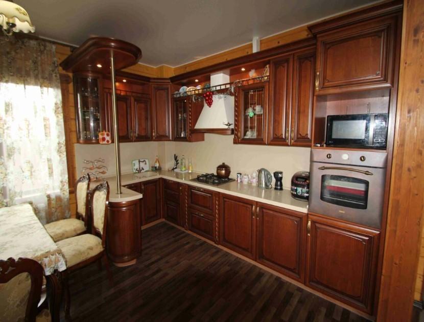 Продажа дома по ул. Банановой, д. 86 (200 м²)