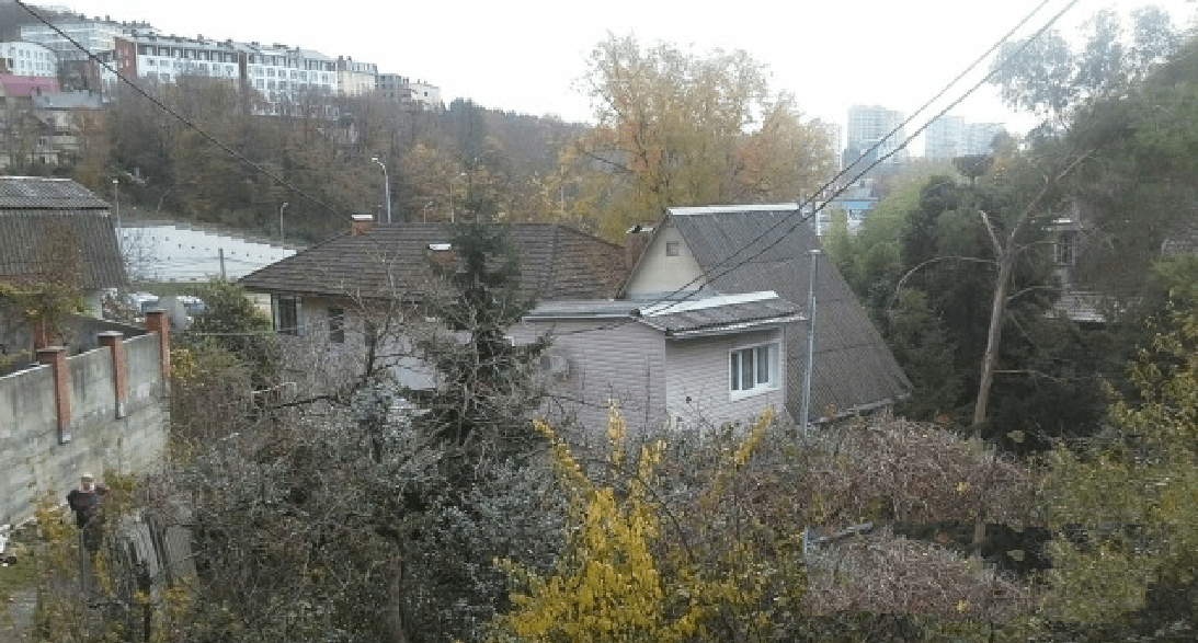 Участок по ул. Яна Фабрициуса, 29 (800 м²)